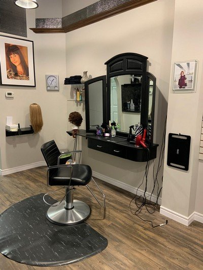 salon chair and mirror at the sarnia salon